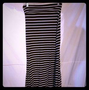Long skirt Mossimo size small